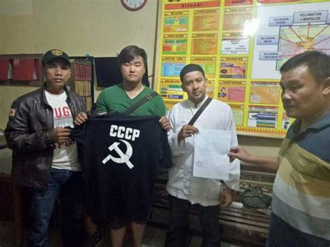 Baju Kaos Fpi by Pakai Baju Kaos Palu Arit Mahasiswa Persada Bunda