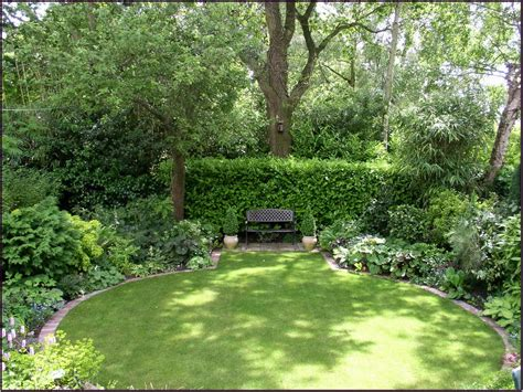 create simple back garden ideas in your back yard