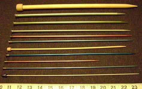 what size knitting needles file knitting needles sizes png wikimedia commons