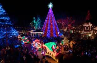 What Is The Main Holiday Decoration In Most Mexican Homes by 10 U S Towns With Incredible Christmas Celebrations