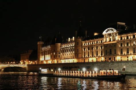 bateau mouche capitaine fracasse best seine river dinne cruise in paris come to paris