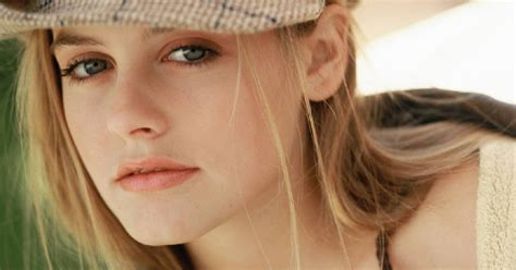 Angelina Jollie by Entertainment Alicia Silverstone