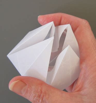 German Folded Paper - all things paper folded german bell tutorial