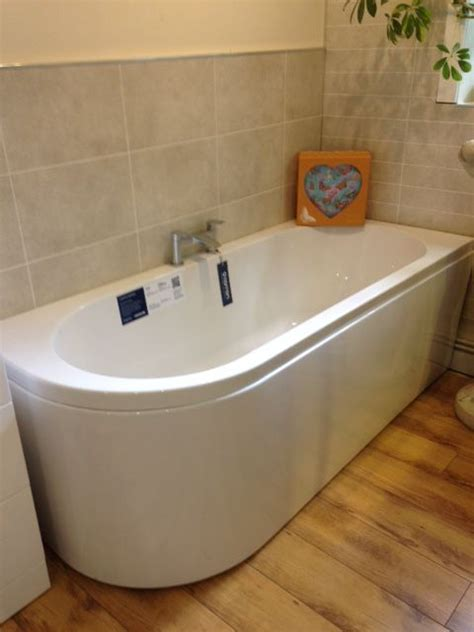 1600 shower baths carron status left handed carronite bath 1600 x 725mm