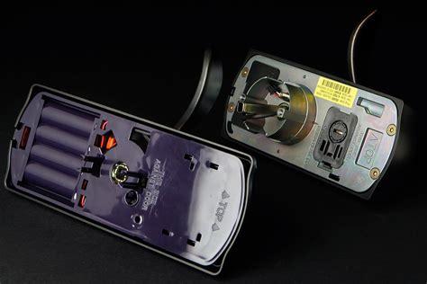 schlage camelot electronic door lever review digital trends
