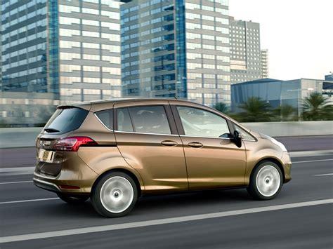 voiture avec portes coulissantes ford b max la quadrature de la porti 232 re automobile