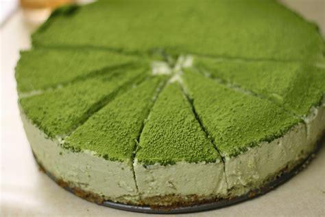Ketika Kamu Jatuh Green papasemar matcha green tea cake soft cemilan
