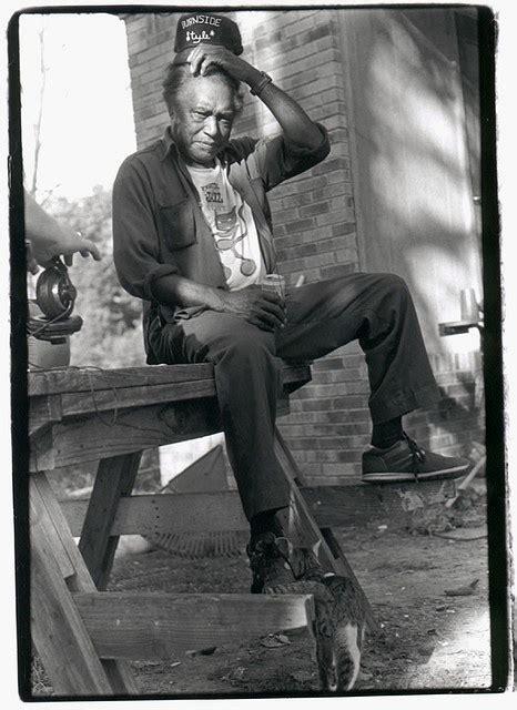 images  blues  pinterest robert johnson delta blues  cigar box guitar