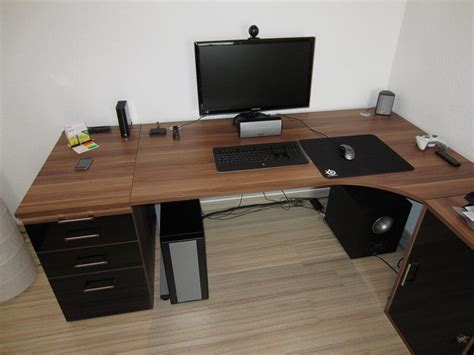 Pc Schreibtisch Kaufen by Wo Kann Ich Diesen Pc Tisch Kaufen Schreibtisch