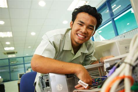 Desktop Support Technician by Computer Support Computer Support Technician Education Requirements