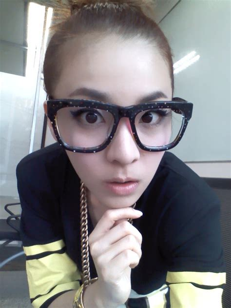 Arum Top In Black Dara 2ne1 the about k pop