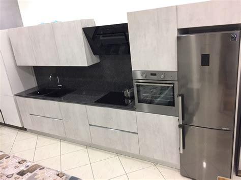 piano cucina in cemento cucina lineare astra cucine effetto cemento piano quarzo