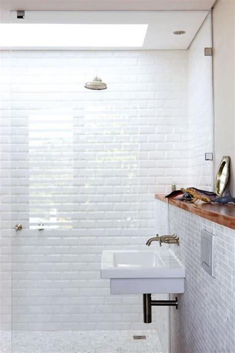 comment survivre dans une salle de bains sans fen 234 tre id 233 es r 233 novation salle de bain