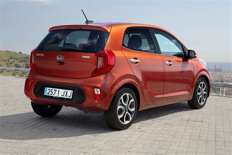 kia hatchback kia picanto hatchback 2017 photos parkers