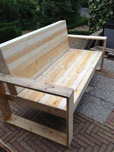 Kursi Rotan Pinggir Jalan ide keren membuat mebel dari palet kayu bekas