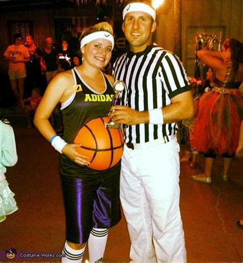 clever maternity halloween costume ideas simplemost