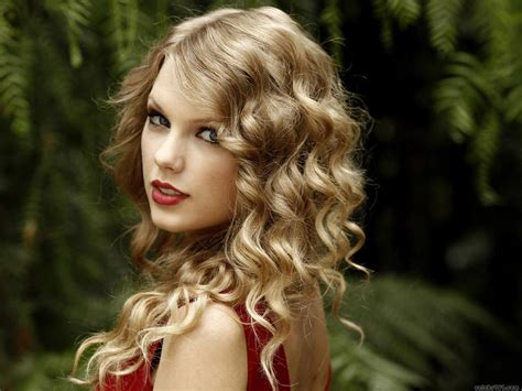 taylor swift hair jewelry fashion and celebrities taylor swift hair style