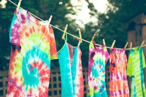 Camp Kitchen Design by How To Make Tie Dyed Clothes And Crafts