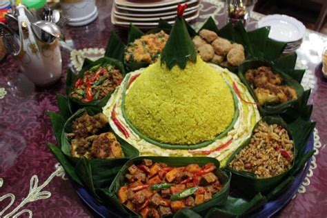 ara membuat nasi kuning nasi kuning indonesianfood yummy yummy and i like it