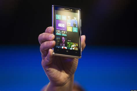 jul 19 2013 nokias metal lumia 925 is a looker james martincnet nokia lumia 925 launch is this new metal flagship enough