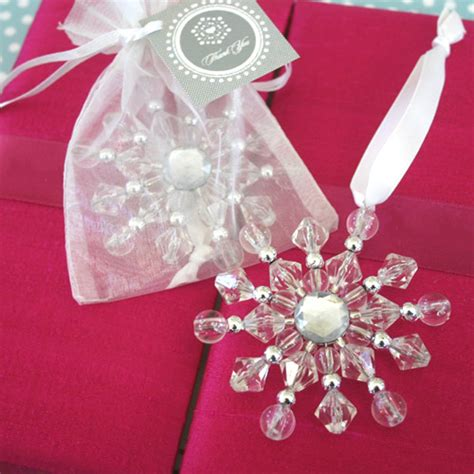 winter wedding favors christmas wedding favors ideas