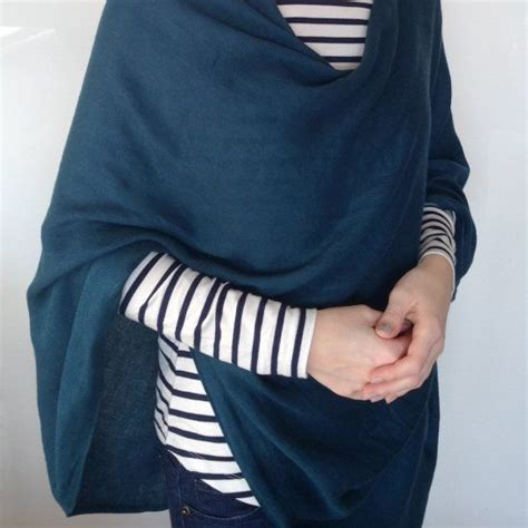 Pasmina Square Katun Polos turn a pashmina into a 6 way convertible scarf it only takes 5 minutes wear it as a cape a