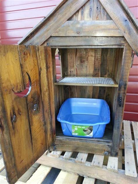 pallet outhouse cat litter cabinet pallet outhouse cat litter cabinet pallet furniture diy
