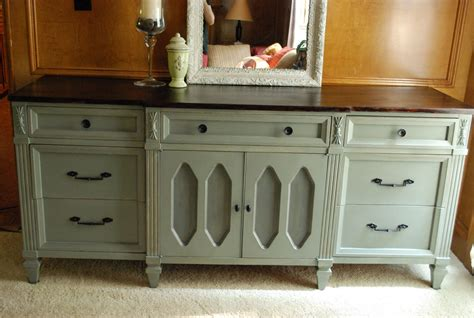 Painting A Wood Dresser by Remodelaholic Wooden Dresser Painted Green Furniture