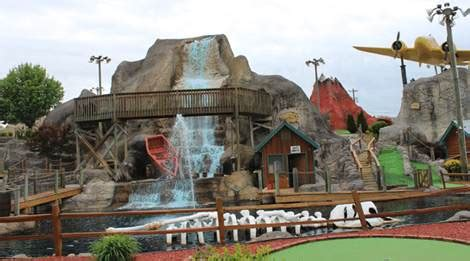 professor hackers lost treasure golf  pigeon forge tn