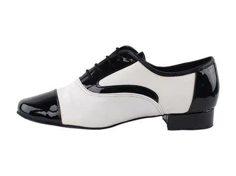 916102 black patent white leather