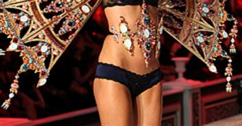 Model Of The Week Victorias Secret Edition Hana Soukupova by S Secret Model Alessandra Ambrosio Walked The