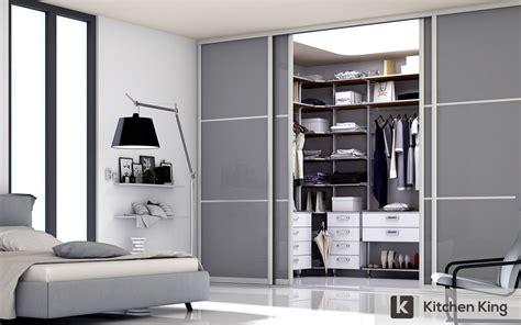 wardrobe closet designs  fit  space  dubai uae