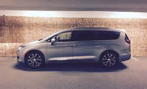 Chrysler Pacifica 2017 Chrysler Pacifica Limited Review Is This The Best