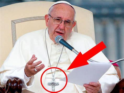 lo que el papa 8466658807 191 qu 233 esconde la cruz del papa francisco conoce el
