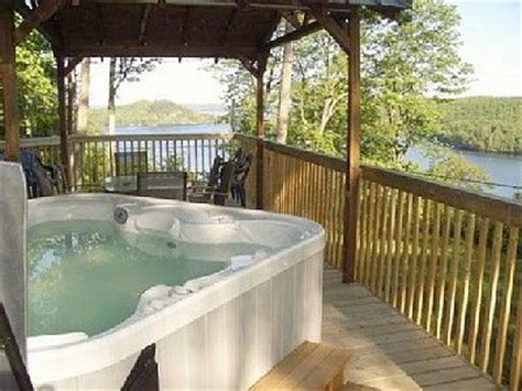 Cottages For 8 With Tub by Modern Cottage Breathtaking View Tub Lake Vernon Huntsville 4 Br Vacation
