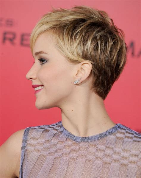 hairstyles for plus size oval faces jennifer lawrence s pixie here she went with a more