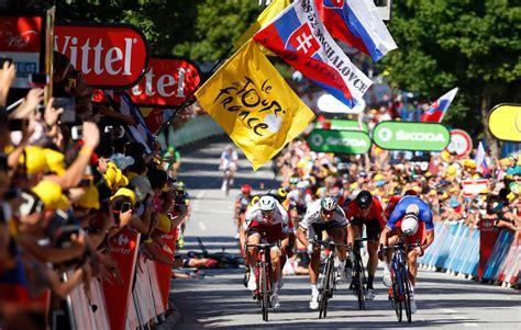 Tour De 2017 Tour De Boredom And Chaos At Stage 4 Bicycling