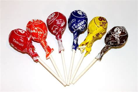 tootsie pop calories per tootsie roll lollipop