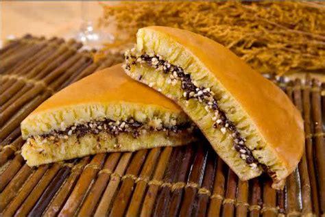 membuat adonan martabak manis cara membuat martabak manis resep masakan dan kue