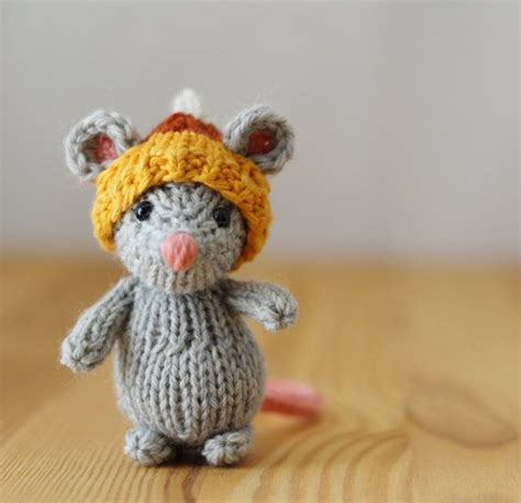 tiny knitted toys small knitted toys crochet and knit