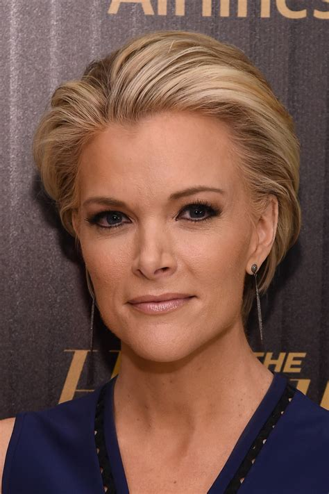 megan kelly s new hair style megyn kelly short straight cut short straight cut