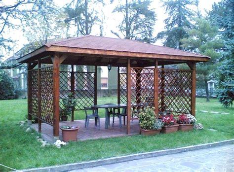 tende per gazebo in legno gazebo in legno con tende con gazebi metal tende e gazebo