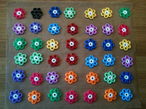 flower pattern hammer hama flowers by majjan 1 create your flowers 2 put them