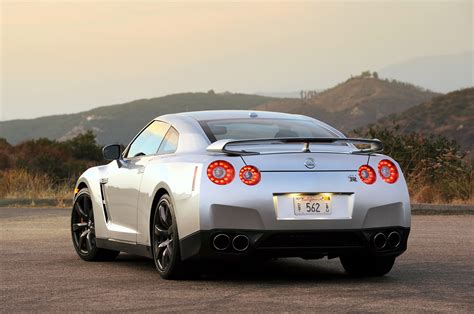 skyline nissan 2010 nissan offers 2010 upgrade kit to older gt r owners