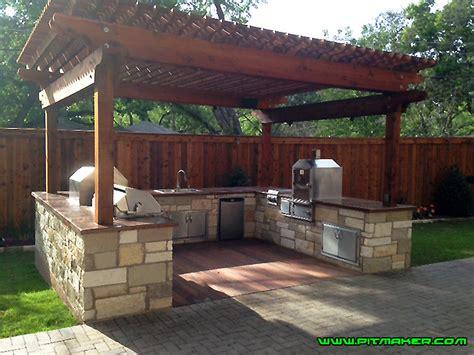 backyard bbq pit pitmaker in houston texas 800 299 9005 281 359 7487