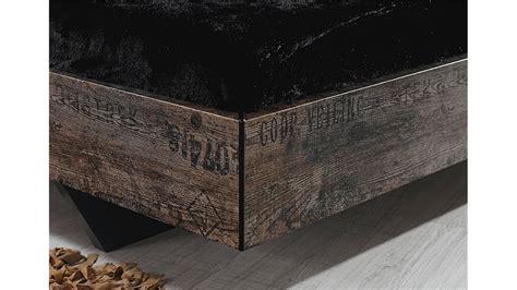 bett vintage bett sumatra schlafzimmerbett in vintage braun 140 cm