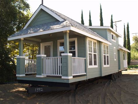 mobile tiny house check out this 2015 instant mobile house thecottageloft