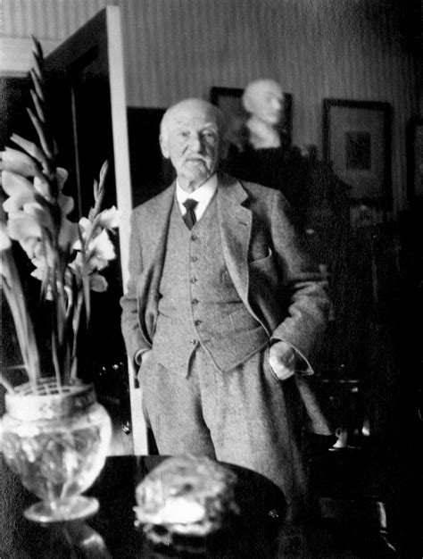 thomas hardy half a finding hardy at last by michael wood the new york review of books