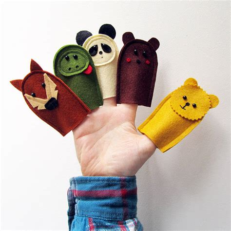 Handmade Puppets For - handmade felt wildlife finger puppets by thebigforest