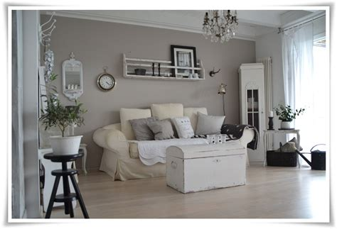 shabby chic wohnzimmer w 228 nde on wands gray walls and flooring